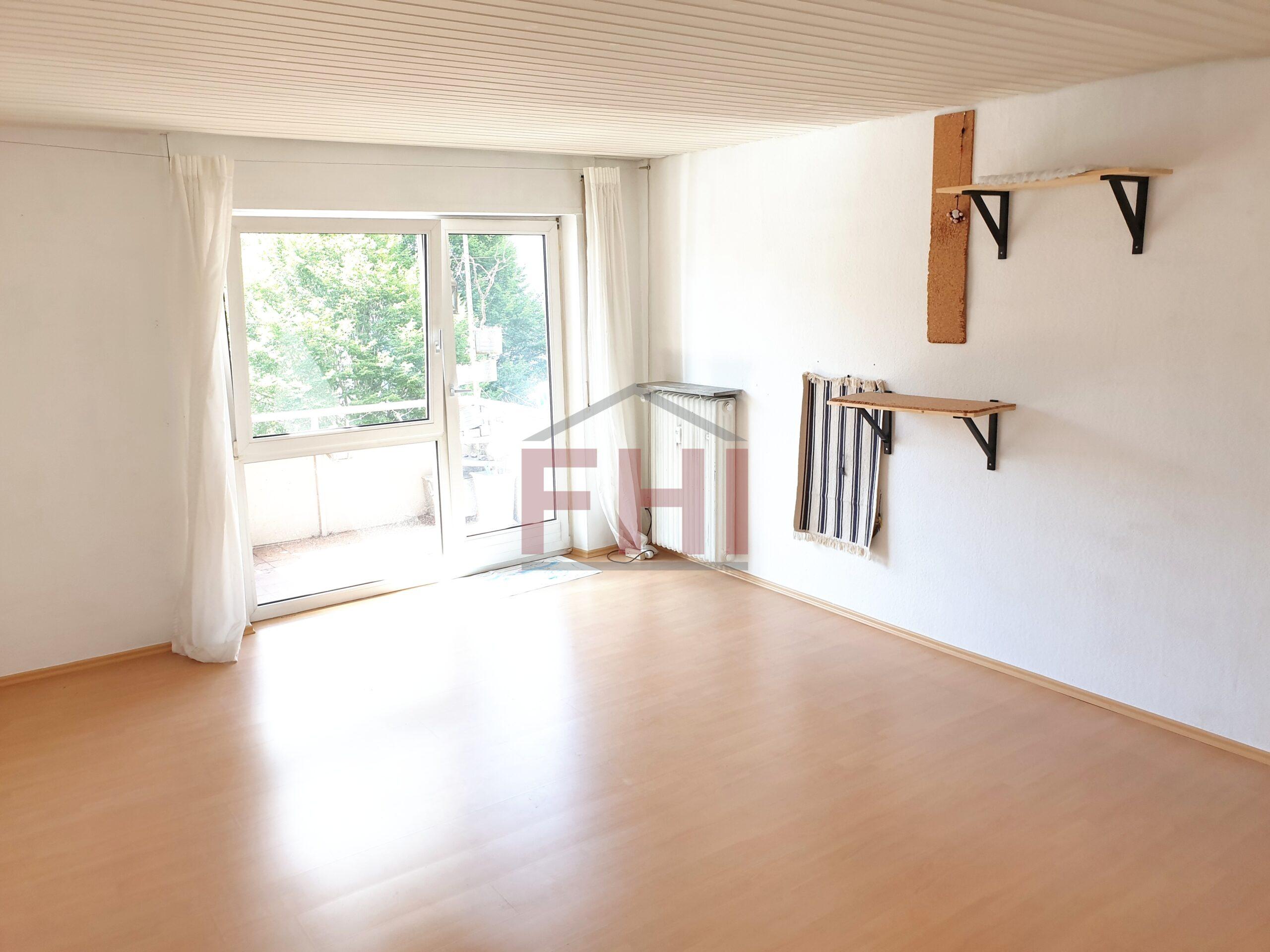 VERKAUFT: Helle und schön geschnittene 3,5-Zi.-Wohnung mit Balkon, Garage und Keller – Zentrumsnah